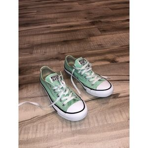 Converse all-star lime green size 8
